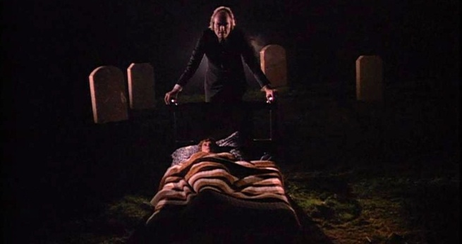 phantasm-horror-review-sphere-13